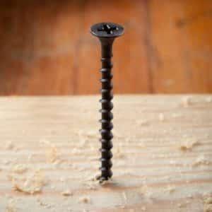 Braucht man einen Bohrer um in Holz zu schrauben_