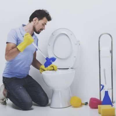 Reparaturen für gluckernde Toilette tn