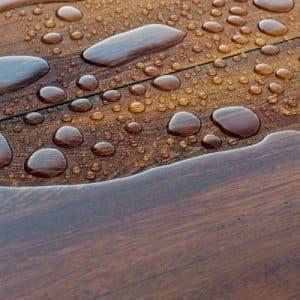 Holz vor Wasser schützen
