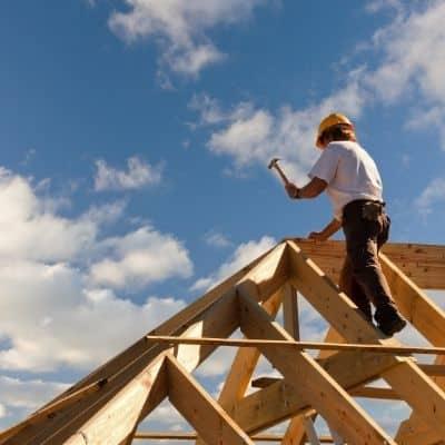 Zimmermannshammer beim Dachdecker 1